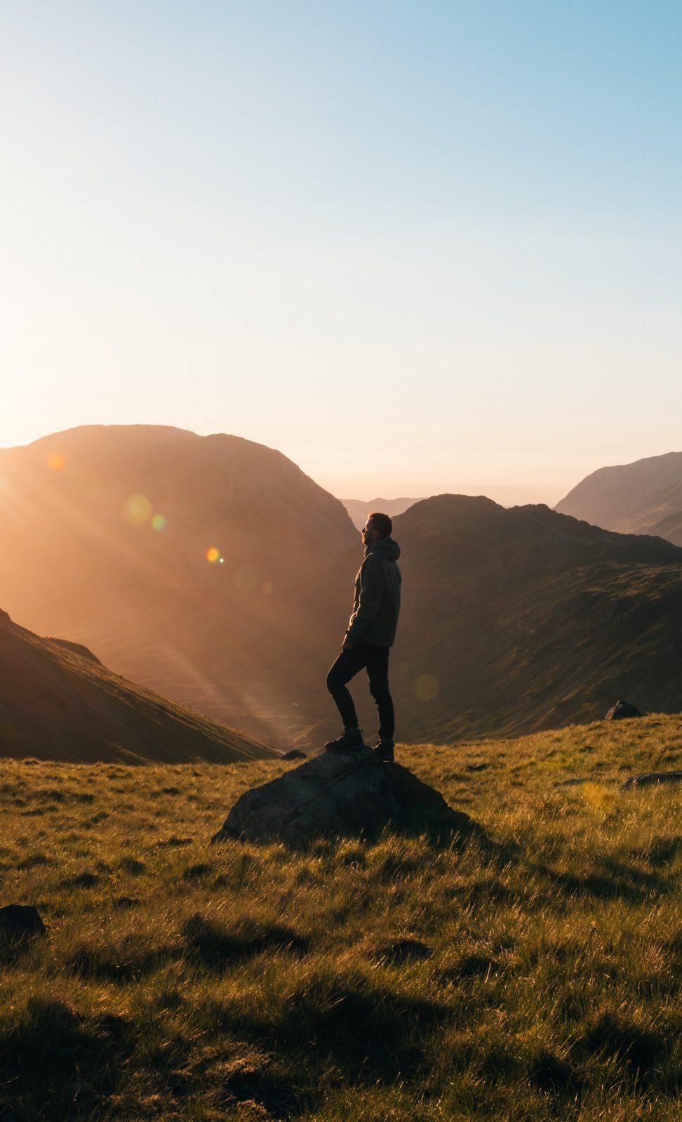 mountain-rockies-hiking