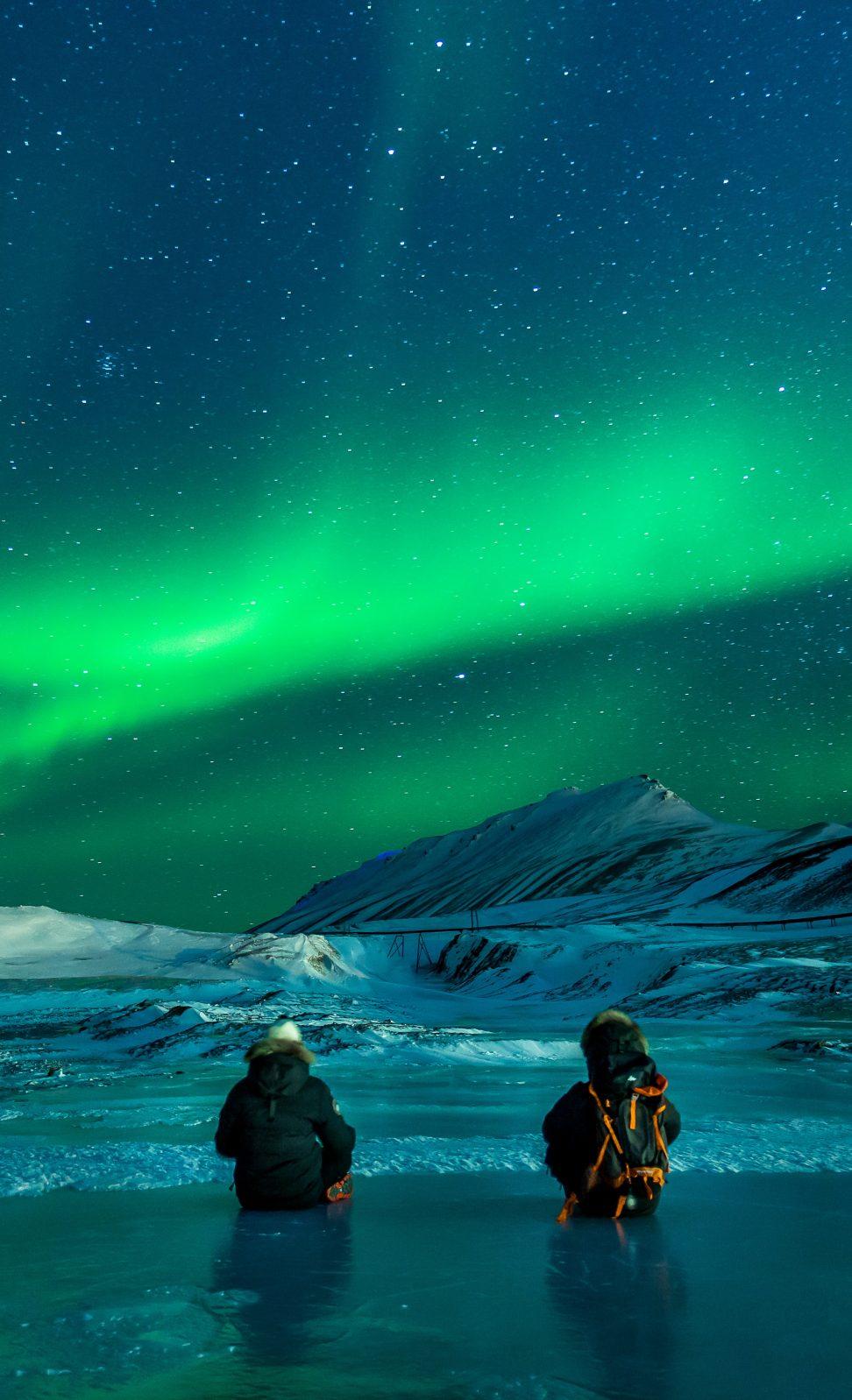 bound-gala-aurora-mountains