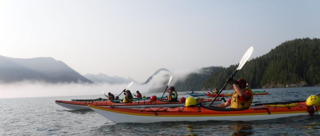 kayak-west-coast-mountain