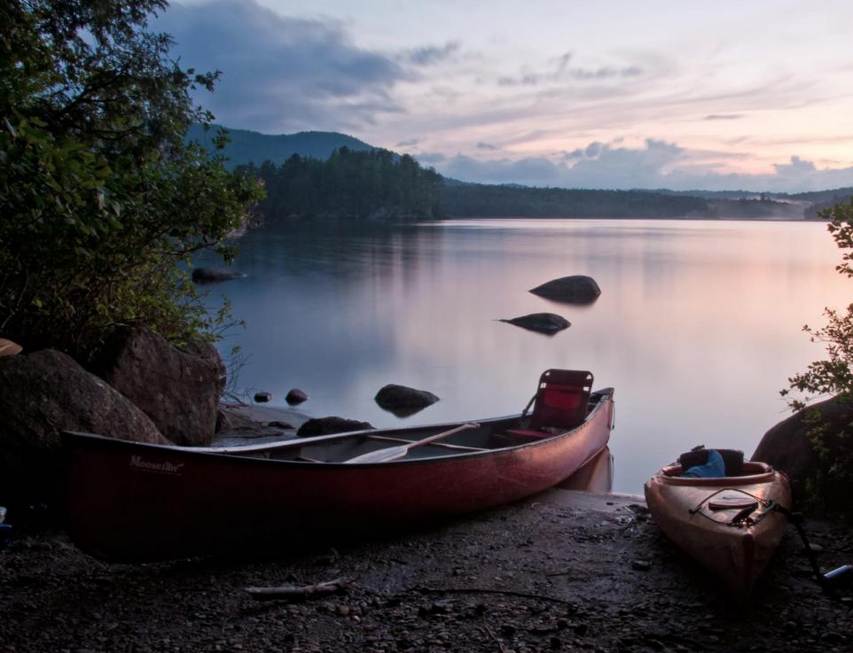 Northern-ontario-canoeing-sunset-paddling