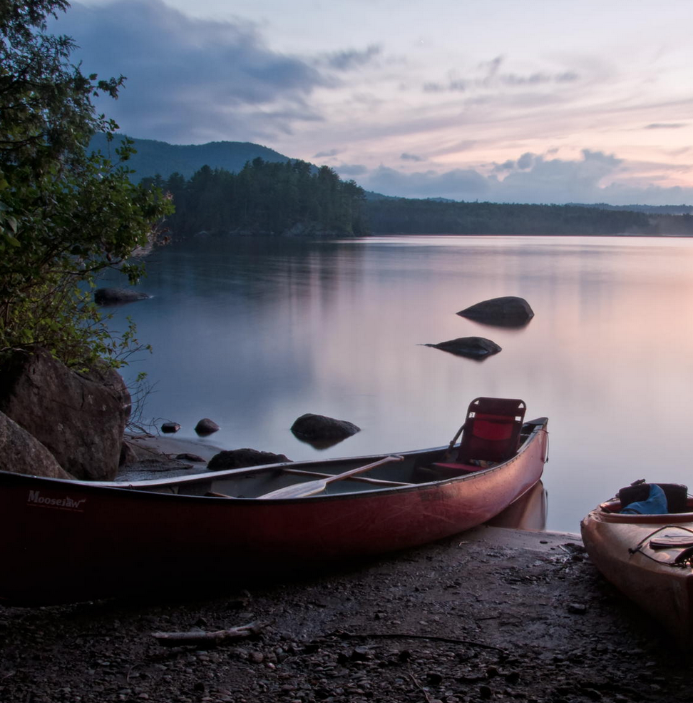Northern-ontario-canoeing-sunset-paddling